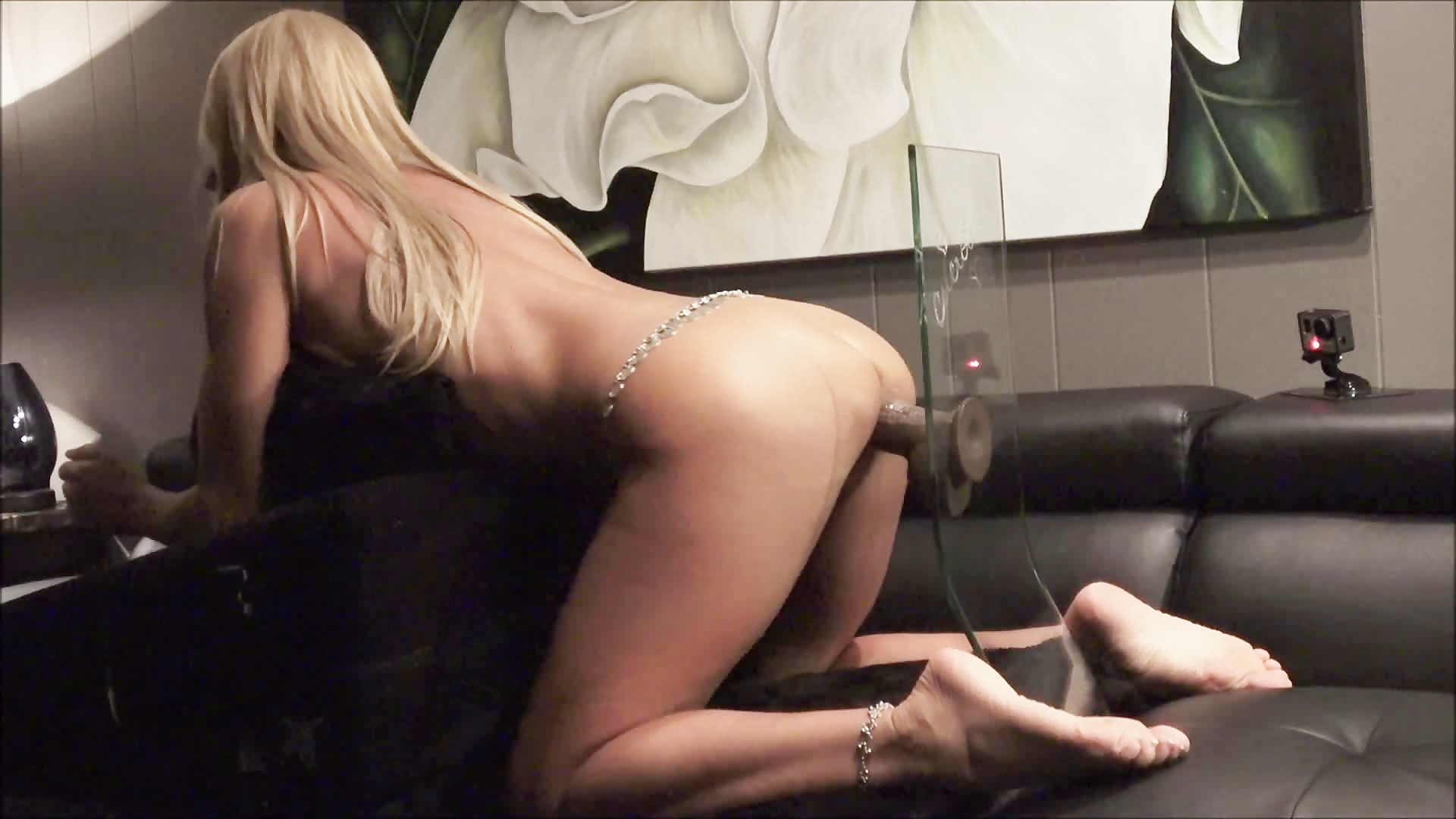 Hot Tanned Amateur Wife Masturbates With Large Dildo Great -7046