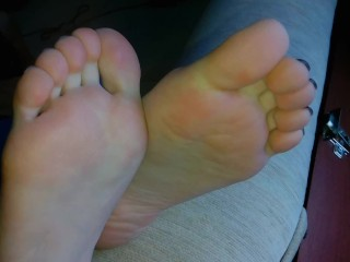 Would You Like To Enjoy Beautiful Soft Footjob? Cum On Toes