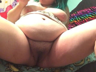 BBW fucks herself with hairbrush (PUSSY AND ASS NOISES)