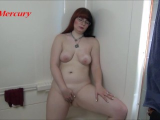 MILF Masturbates and Pees in Shower