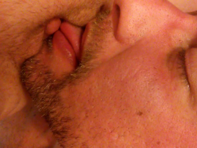 amateur-he-licked-her-clit-pool