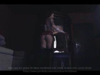 Fitness Schoolgirl Uniform striptease - Colegial fazendo strip