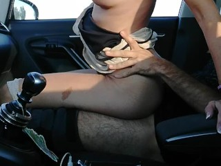 outdoor sex tattooed milf fucked in the car on a transited highway