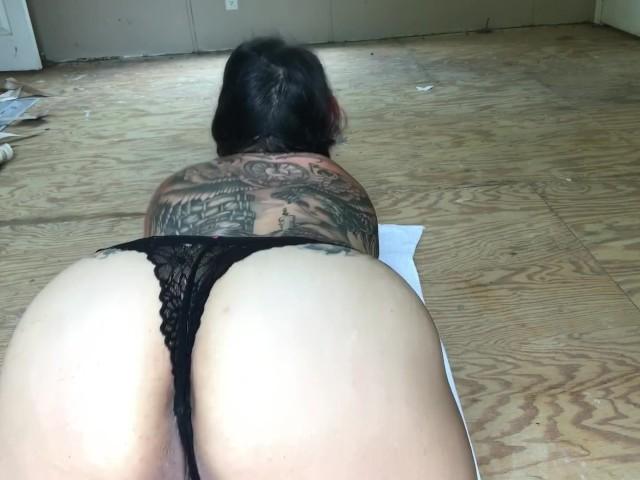 Mama twerking porn