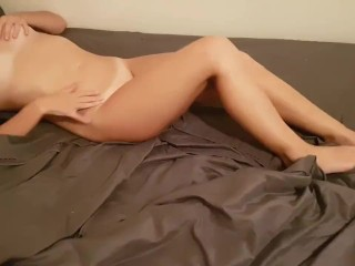 Sexy College Chick Moans and Deepthroats for Dick