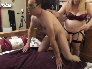 Blonde Sexy milf Jenna bangs her hubby hard in the anus with a strapon (Pegging)