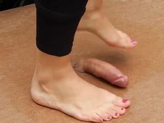 Cockbox/with cumshot balerinas dance feet