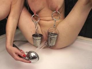 Long/amateur/hot buckets blonde nipples on