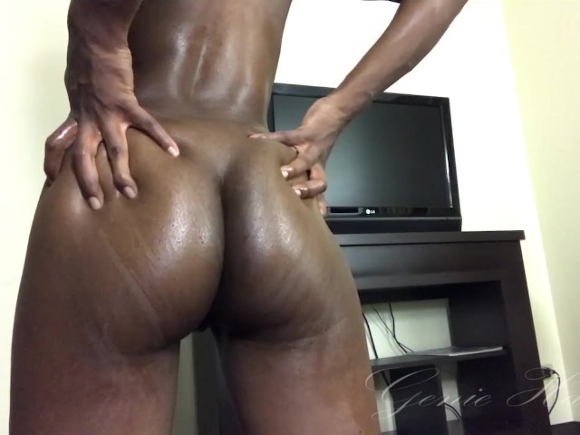 Ebony Shaking Ass Naked