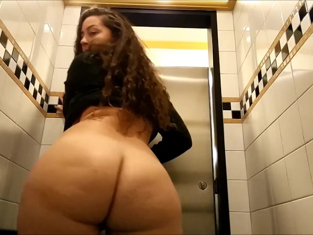 Flashing In Public With My Sister Emma Banks - Free Porn -5657