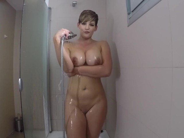 Brooks naked hannah Hannah Brooks