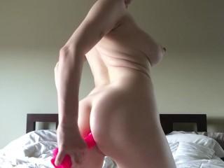 Teen stretches virgin ass with dildo