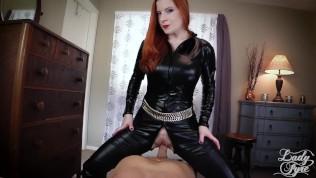 Femdom POV MILF. Quieres ser mi esclavo sexual. Ladyfire