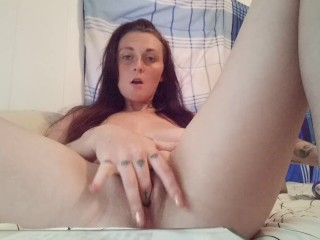 Soaking wet pussy has a orgasm