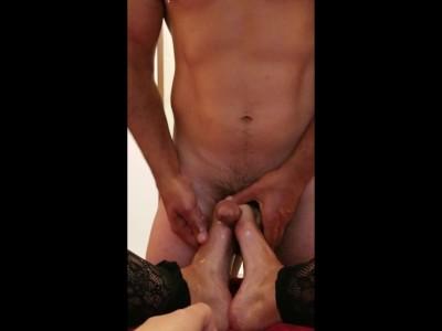 Milf Cums While Giving Oiled Footjob, Milks Cock Till Orgasm - Free Porn Videos - Cliporno