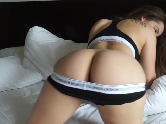 Solo Female Cumming Dildo