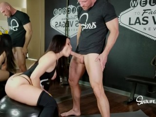 Sinslife Hot Babe Sucks And Fucks In The Gym