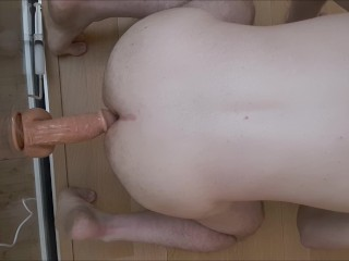 Squirting/guy s in dildo straight ass