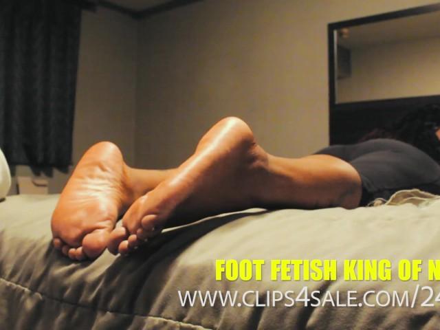 Hot Teen Self Foot Worship
