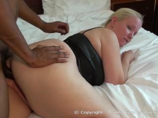 BBC Darrell Deep goes straight for Stepmom Arinna Cum ass