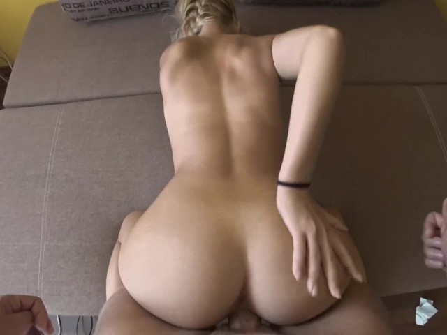 Perfect Body Teen Blowjob