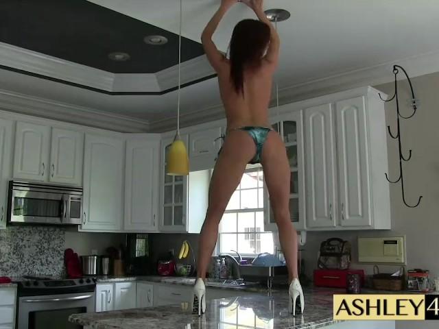 Pole Dance Striptease Teen
