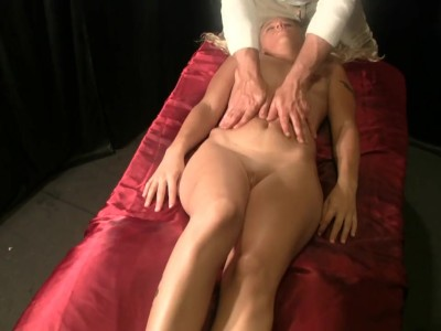 Massage fingering & handjob with Amateur tattooed babe
