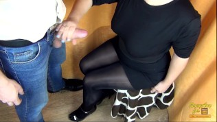 (60FPS) HANDJOB AND CUM SHOT ON SEXY LEGS IN PANTYHOSE/ NYLON - SANYANY