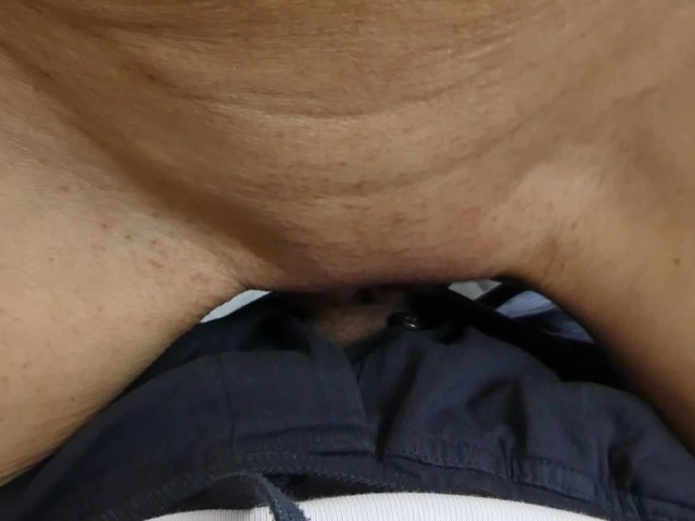 She Need Fast Sex Before Going to Bed and Squirts After He Comes Inside
