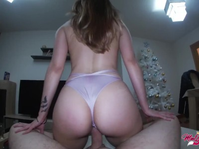 Perfect babe gets juicy creampie in Reverser Cowgirl – POV Amateur Sex