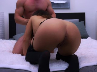 Lifting me up while fucking me hard makes me orgasm really intensely