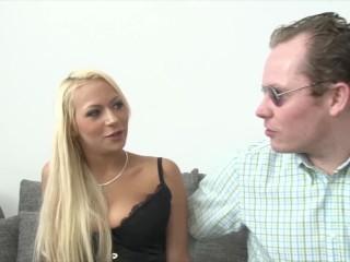 Hamburg/casting/julie shy girl first anal