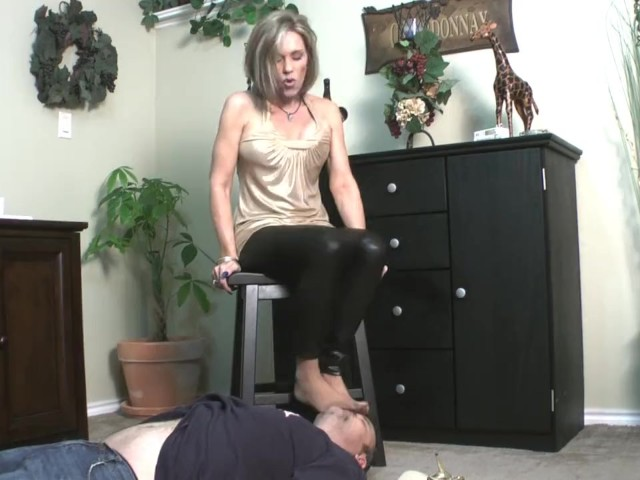 Nylon Feet Shoeplay Hostess