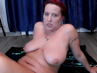 Mom' Gaping Holes and Pussy Farts