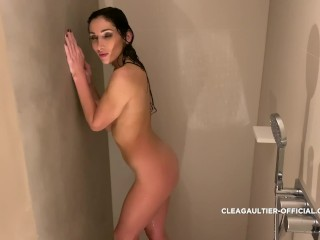 Cléa Gaultier French brunette playing with her pussy in the shower