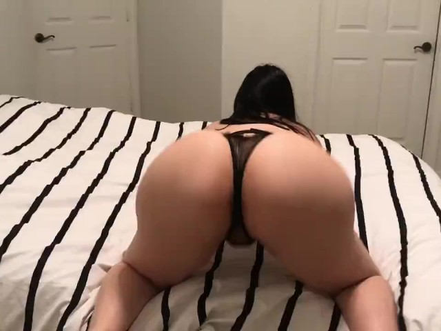 Big Booty Pawg Crystal Lust Twerks Her Huge Ass and Gets Fucked!