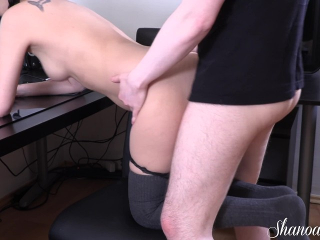 Wet Gamer Girl Rides Boyfriend to Creampie - Cum Drips Out of Her Pussy
