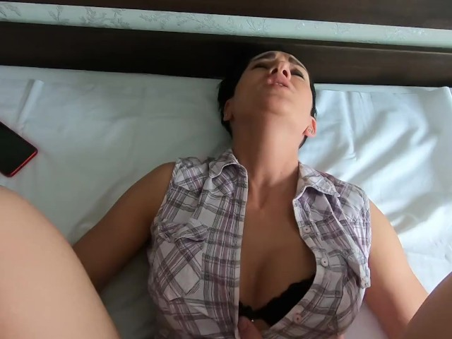 amateur stepmom helping blowjob and facial