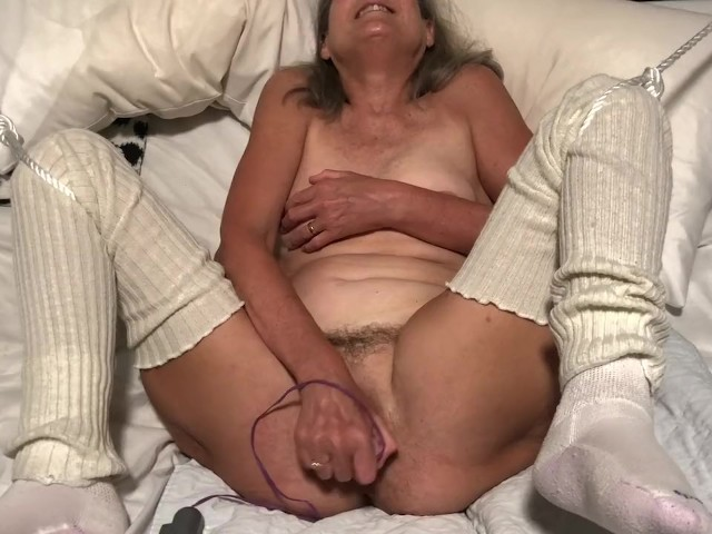 Skinny Mature Amateur Orgasm