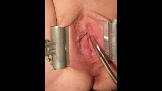 FEMALE URETHRAL STRETCHING, SPREAD & PROBED PEEHOLE WITH METAL SOUNDS