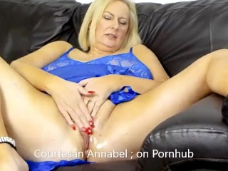 Annabel shaving her oily pussy