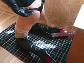 Teen sissy slut inserts dildo in juicy ass wearing high leather boots 2019
