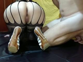 Femdom Mistress Lusinda. Inserting banana and feeding from ass hole