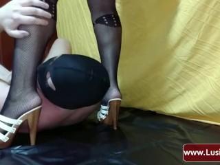 Femdom Mistress Lusinda. Hard facesitting, ass licking, anilingus
