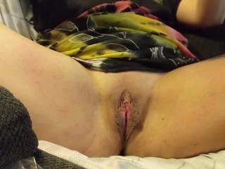 Hot Wife Fucks Huge bbc Dildo 4 Fingers Squirt Wet Dripping Pussy