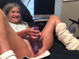 Squirting/milf granny mature dildo hot