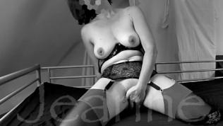 Une amatrice française baisée par la bouche qui adore se faire enculer...