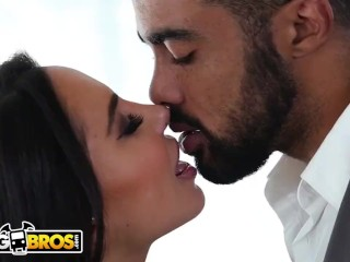 BANGBROS - Big Booty PAWG Lela Star Takes Big Black Cock Like A Pro