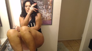 MATURE MOMMY Sneakes A 3:00 Am Smoke & Play In Bathroom