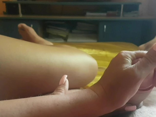 Mom Playing With Stepson Dick Until Cum Many Times in Her Hand